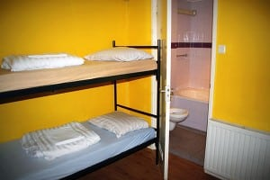 cheap guesthouse amsterdam-300x200